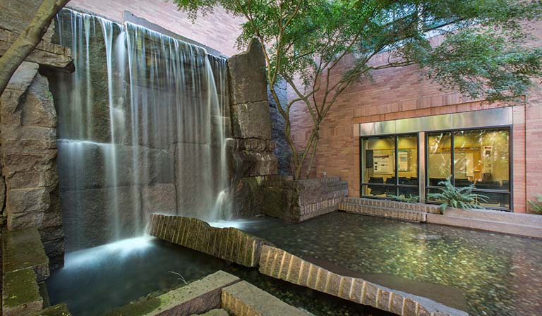Waterfall in the Towne Courtyard next to the Thomas Building on Seattle's Fred Hutch campus